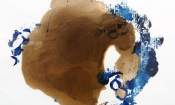 05 lucky skin, der braune grunggrung liebt blauen honig, 2013, Monotypie über Lackskin auf Bütten, 18 x 21 cm